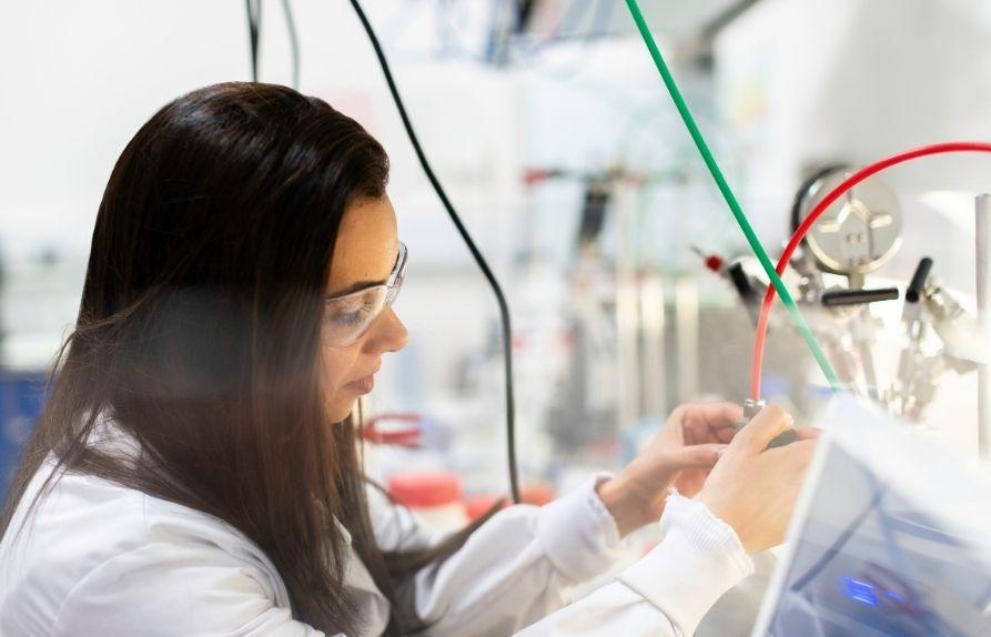 IAEC Education explains about Biomedical Engineering courses from Swinburne University